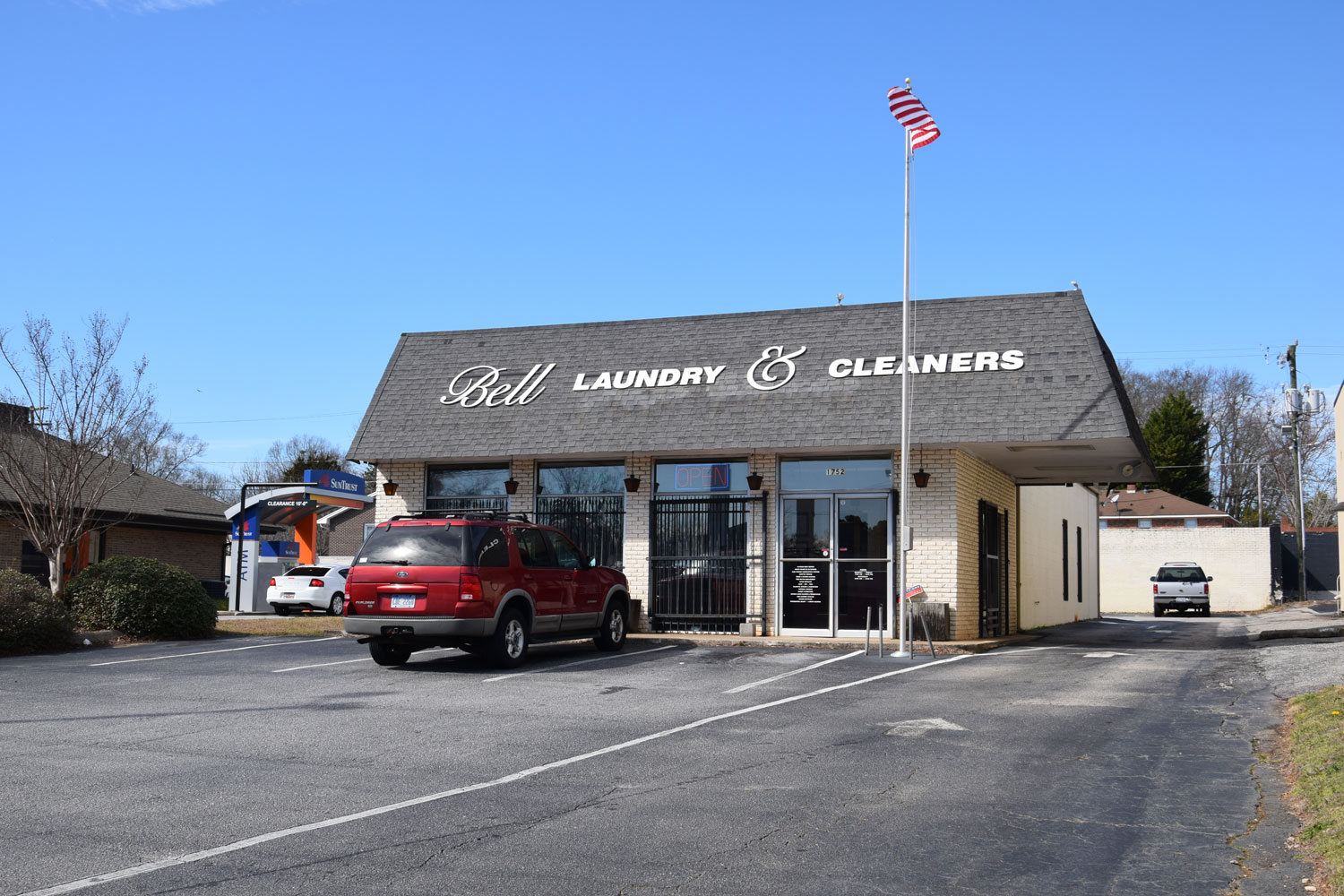 Bell Laundry & Cleaners Inc. East Main Location